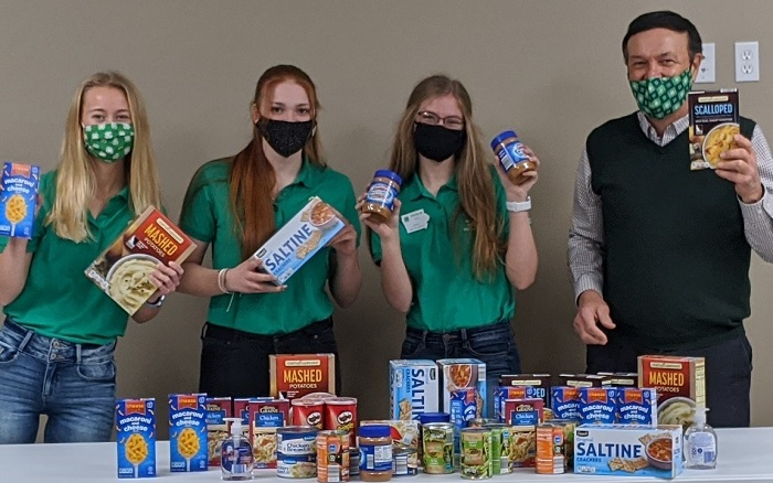 Iowa 4-H Council donates more than 20,000 items from statewide food drive